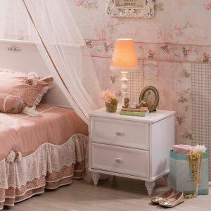 Romantic Nachttisch