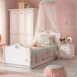 Romantic L Bett (100x200cm)