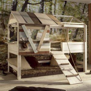Baumhütte mit Laufplanke
