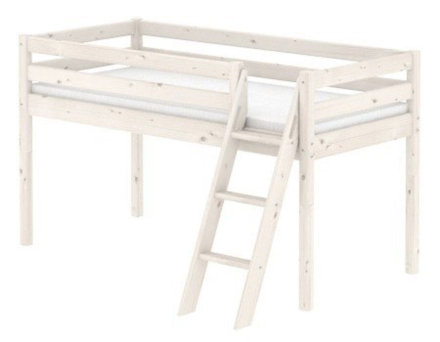 flexa halbhohes bett classic 90x200cm mit schr ger leiter. Black Bedroom Furniture Sets. Home Design Ideas