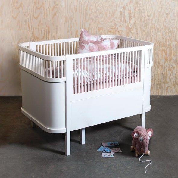 sebra babybett mitwachsend vergr sserbares designer bett. Black Bedroom Furniture Sets. Home Design Ideas