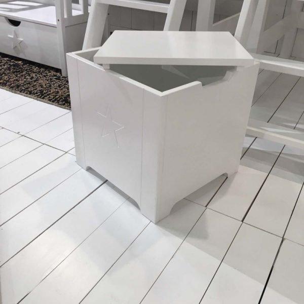 mit stauraum sitzbank mit stauraum with mit stauraum. Black Bedroom Furniture Sets. Home Design Ideas