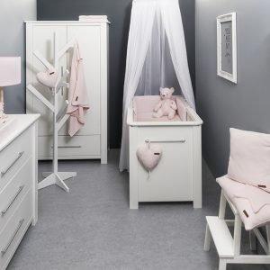 Baby`s only Babyzimmer mit babyrosa Zubehör