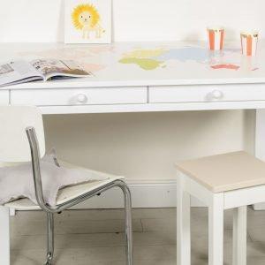 Schreibtisch mit Weltkarte bunt 2