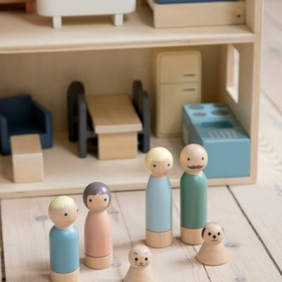 Puppen aus Holz