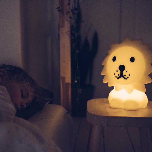 Mr Maria Lion Erste Lampe