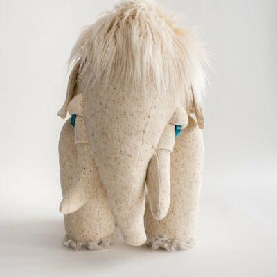 Albino Mammut Gross